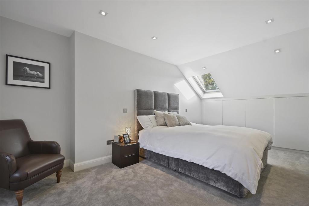 Wolverton Gardens   Bedroom.jpg