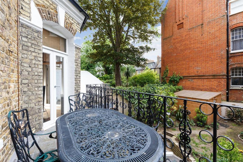 Lettings Hammersmith Edith Road   Terrace (2).jpg