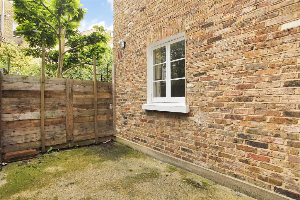 Lettings Brackenbury Agate Road   Garden Edit (2).