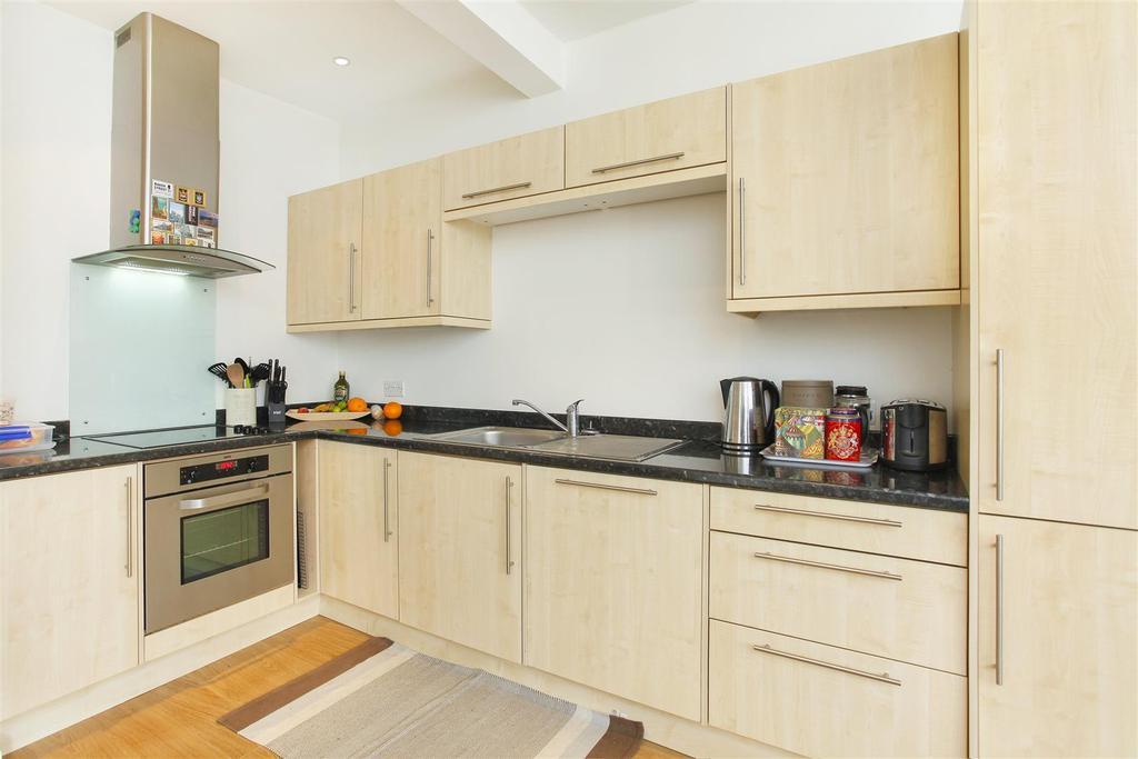 Lettings Brackenbury Agate Road  Kitchen Edit.jpg