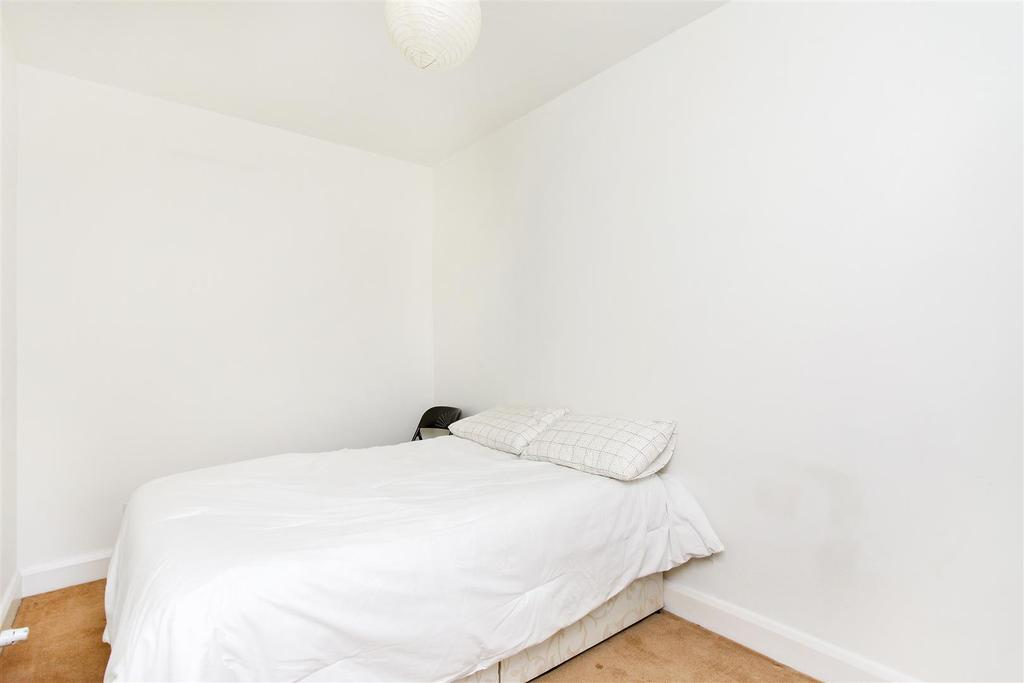 Lettings Brackenbury Agate Road   Bedroom 2 Edit.j