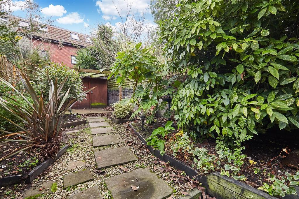 Lettings Brook Green Bradmore Park Road   Garden 1
