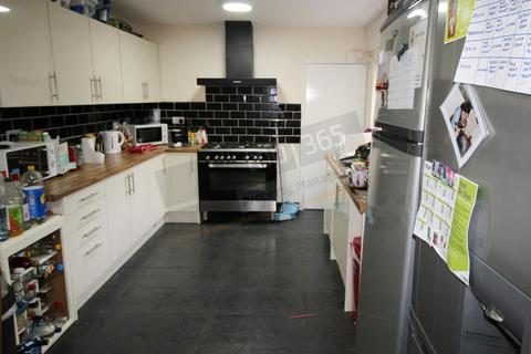 5 bedroom terraced house to rent - *£102pppw* Kimbolton Avenue, Lenton, NG7 1PS