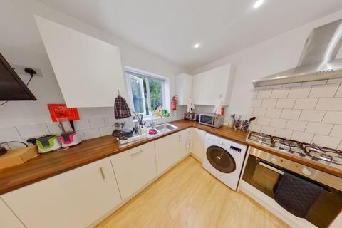 6 bedroom detached house - *£110pppw* Middle Street, Beeston, NG9 2AR - UON