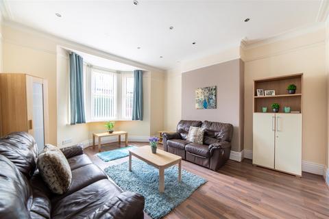 4 bedroom terraced house to rent - £79pppw - Rothbury Terrace, Heaton, NE6