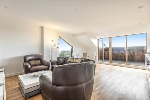 2 bedroom flat to rent - St Marks Square Bromley BR2