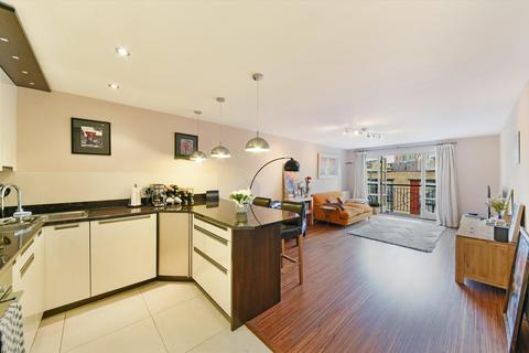 2 bedroom flat for sale - Victory Place, London, E14