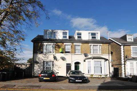3 bedroom flat to rent - Myddleton Road, N22