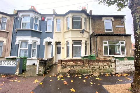 3 bedroom house to rent - Ashley Road, Forest Gate, E7