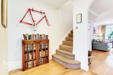 2 bedroom maisonette for sale - Ellery Road, London