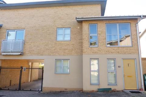 3 bedroom house share to rent - Pinewood Drive, Hesters Way, Cheltenham, GL51