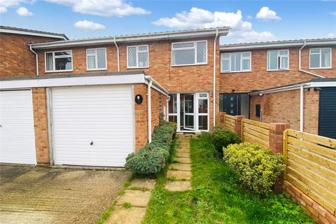 3 bedroom terraced house for sale - Aymer Drive, Staines-upon-Thames, Surrey, TW18