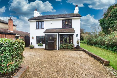 3 bedroom detached house for sale - Roman Road, Mountnessing, Brentwood, Essex, CM15