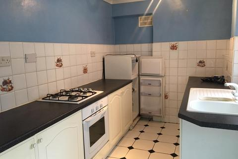 2 bedroom semi-detached house to rent - Honiton Road, Romford, Essex, RM7