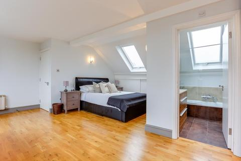 1 bedroom house share to rent - Warwick Road, Ealing, London, W5