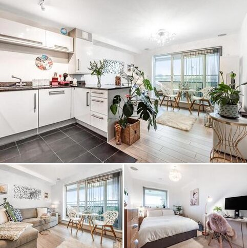 1 bedroom flat for sale - Meadowview Road, Raynes Park