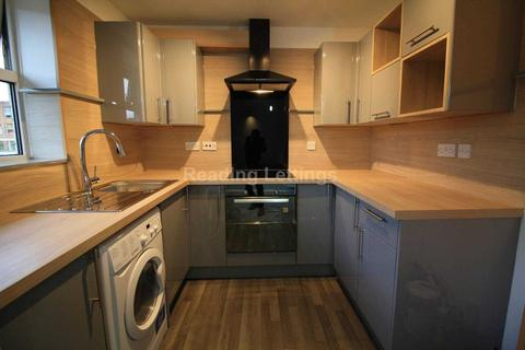 2 bedroom apartment to rent - Kings Road, Reading