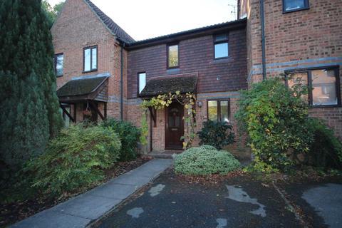 2 bedroom terraced house to rent - Swaledale Gardens, Fleet