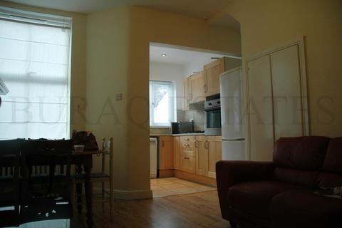 4 bedroom property to rent - ParkfieldStreet, Rusholme, Manchester