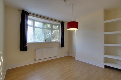 2 bedroom flat to rent - Cairo Road