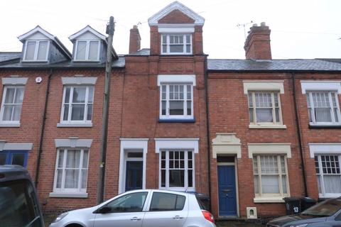 3 bedroom terraced house to rent - Cecilia Road, Leicester