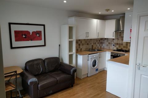 1 bedroom flat to rent - Oxford Street, Sandfields, Swansea