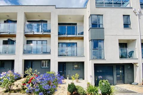 3 bedroom terraced house - Torbay Road, Torquay