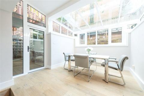 2 bedroom flat for sale - Archway Road Highgate London N6
