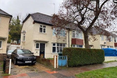 3 bedroom semi-detached house to rent - Upper Bevendean Avenue, Brighton