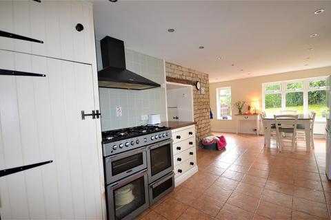 4 bedroom cottage for sale - Bay Road, Gillingham