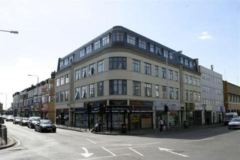 2 bedroom flat to rent - Daisy House, High Road, Goodmayes