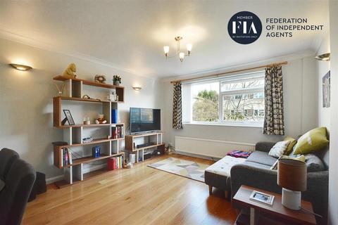 2 bedroom flat for sale - Davmor Court, Boston Manor Road, Brentford