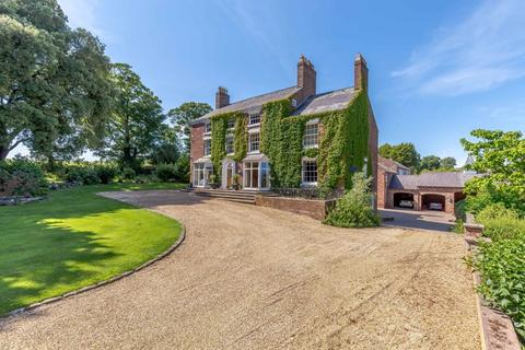 5 bedroom detached house for sale - Eaton, Tarporley