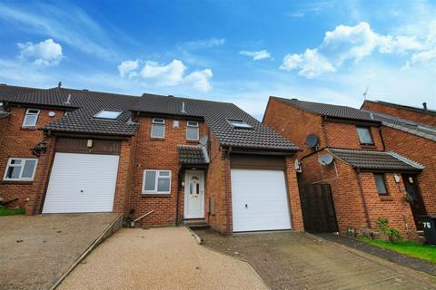 3 bedroom end of terrace house for sale - Gussage Road, Poole
