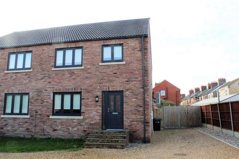 3 bedroom townhouse for sale - Grays Close, King's Lynn
