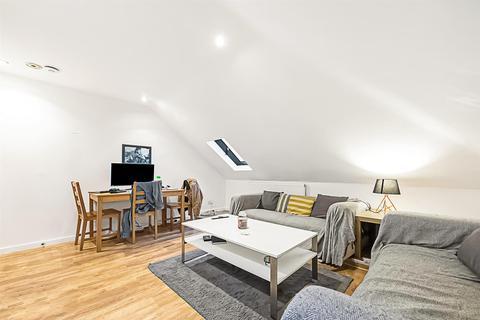 3 bedroom flat to rent - St Johns Crescent, SW9