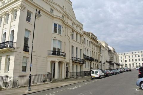 2 bedroom flat to rent - Portland Place, Brighton BN2 1DG