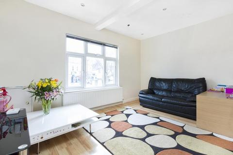 2 bedroom property to rent - Well Street, London, E9