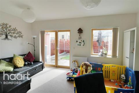 2 bedroom terraced house to rent - Bridgwater Road - Harold Hill - RM3
