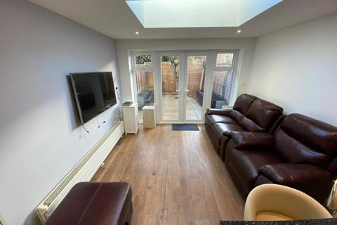 5 bedroom terraced house to rent - Harefields,  North Oxford,  OX2