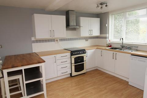 3 bedroom terraced house to rent - Coltsfoot Path, Romford, Essex, RM3