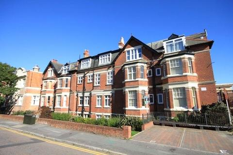 2 bedroom apartment for sale - Norwich Avenue West, Bournemouth, BH2