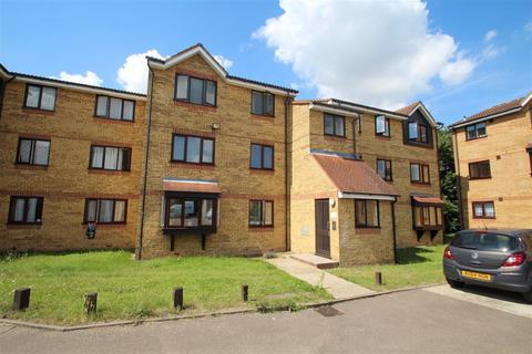 1 bedroom apartment to rent - Redford Close, Feltham