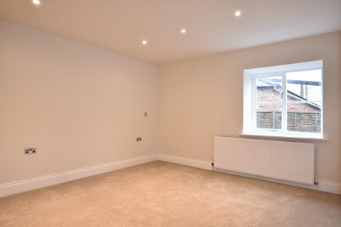 2 bedroom apartment to rent - Gloucester House, Dyer Street, Cirencester GL7