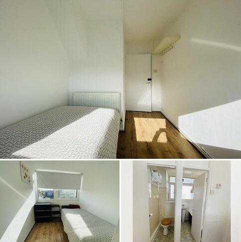 4 bedroom flat to rent - Kingward House  E1