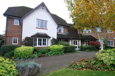 2 bedroom flat for sale - Candlemas Oaks, Candlemas Mead, Beaconsfield, HP9