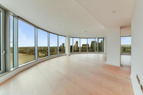 3 bedroom flat to rent - Charrington Tower, 11 Biscayne Avenue, London, E14
