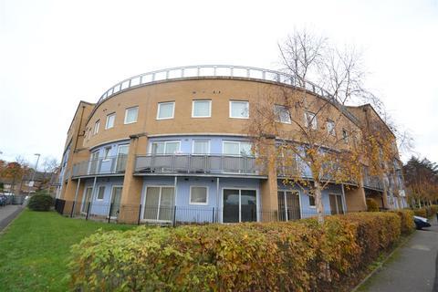 1 bedroom apartment to rent - Wooldridge Close, Bedfont