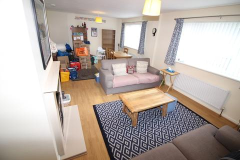 2 bedroom apartment - Front Street, Cleadon