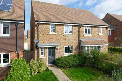 3 bedroom semi-detached house for sale - Brambling Avenue, Finberry, Ashford